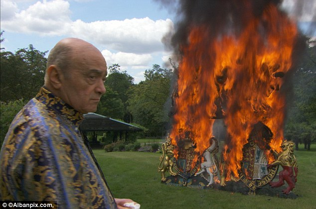 al-fayed burning Harrods's royal warrants