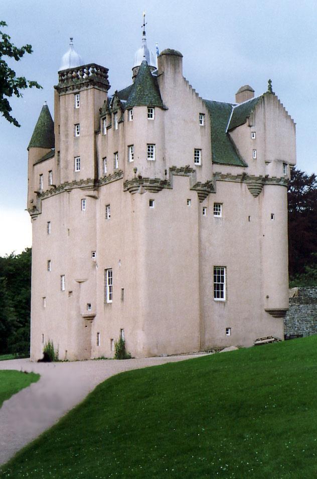 Craigievar_castle_1991
