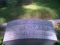 Mark Twain headstone