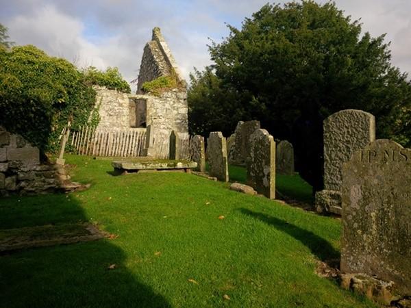 30 Creich churchyard